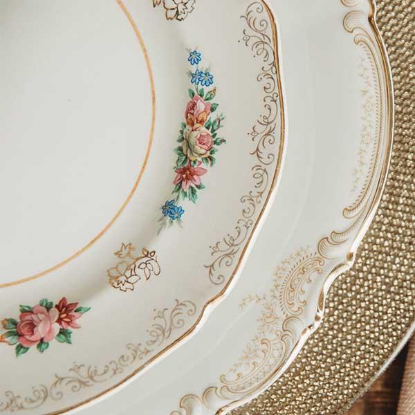 vaisselle vintage assiettes à fleurs