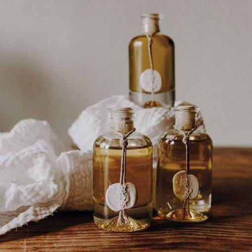 cadeau invites huile d olive bio en flacon et bouchon bois
