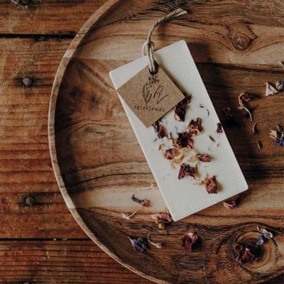 palet de cire infusé aux fleurs séchées